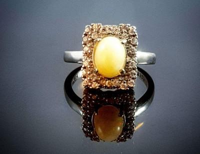 انگشتر زنانه نقره با سنگ اپال