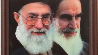 قاب عکس رهبر و امام