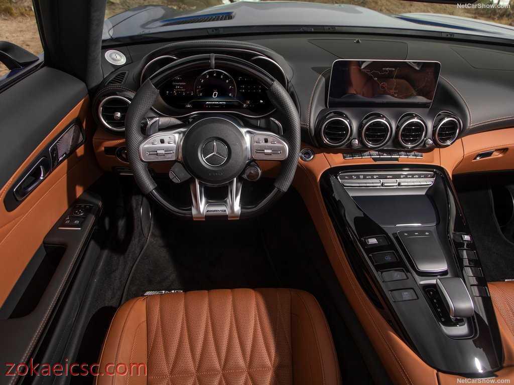 فضای داخلی بنز رودستر Mercedes Benz AMG GT C Roadster 2020